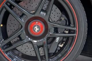 Ferrari Enzo 2004 con carrocería de carbono vestido por Carrozzeria Zanasi - Foto 2