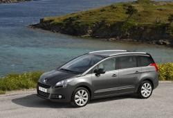 Peugeot 5008 Premium Pack a 26.800 euros. Simplemente sobresaliente