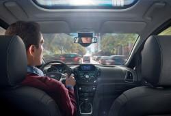 1 de cada 2 europeos ha leido mensajes de texto mientras conducía, según Ford