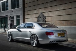 El Bentley Flying Spur estrena motor V8