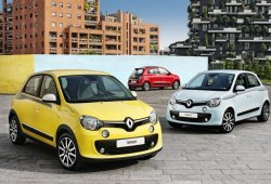 Francia - Febrero 2015: El Renault Twingo llega a las posiciones de cabeza