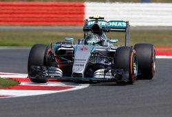 Hamilton logra la pole perfecta en Silverstone y entra en el podio histórico