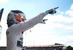 Hamilton brilla en Silverstone y Alonso suma su primer punto del año