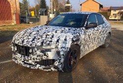 El Maserati Levante pierde camuflaje en estas fotos espía