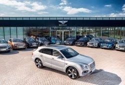 Los primeros clientes del Bentley Bentayga viajan hasta Crewe para recibir sus coches