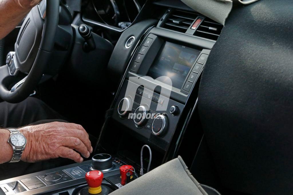 2016 - [Land Rover] Discovery V - Page 3 Land-rover-discovery-5-interior-201628029_1