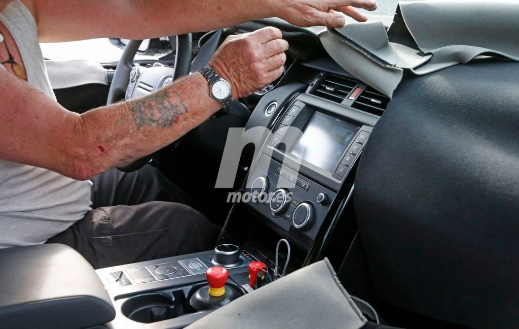 2016 - [Land Rover] Discovery V - Page 3 Land-rover-discovery-5-interior-201628029_10