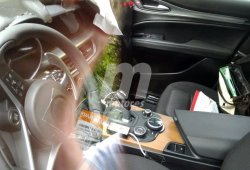 El Alfa Romeo Stelvio nos muestra su interior por primera vez