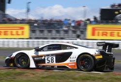 Bell y Parente ganan con el McLaren 650S en Nürburgring