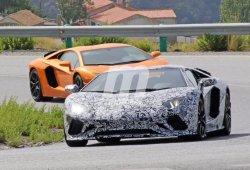 El Lamborghini Aventador ya trabaja en su lavado de cara para el año que viene