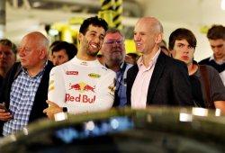 """Ricciardo quiere probar el AM-RB 001: """"Yo pago los neumáticos, no hay problema"""""""