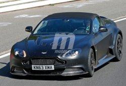 Prototipo del Aston Martin Vantage GT12 Roadster cazado en Nürburgring