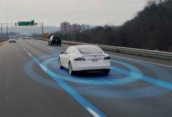 El Autopilot de Tesla se desactivará si el usuario no obedece