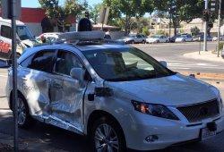 El coche de Google implicado en un fuerte golpe: ¿La culpa? Del humano...