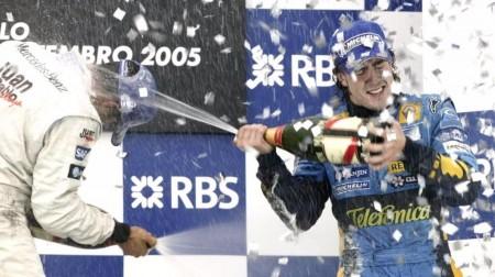 Se cumplen 11 años del primer título de Alonso