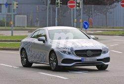 Mercedes-Benz Clase E Coupe 2018, casi listo y al descubierto