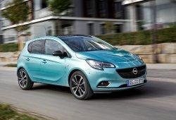 Holanda - Septiembre 2016: Triplete de Opel en un mercado menguante