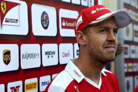 """Vettel: """"Nos enfrentamos a equipos profesionales, no al Pato Donald"""""""