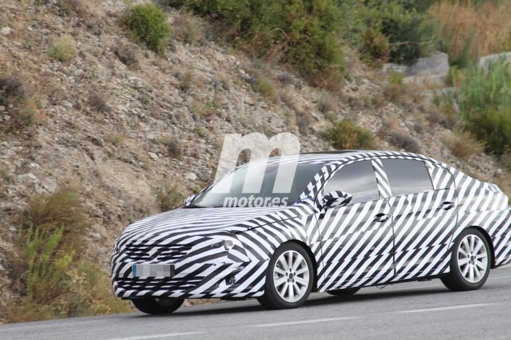 2014 - [Peugeot] 408 II - Page 16 Peugeot-408-2018-201631364_3