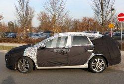 Hyundai prueba el nuevo i30 Cw 2017 junto al Volkswagen Golf