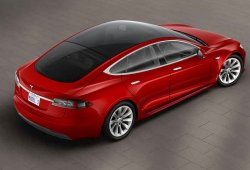 Tesla elimina en silencio la versión P90D y añade nueva opción de techo acristalado