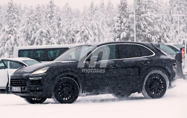 Porsche Cayenne 2018 - foto espía lateral