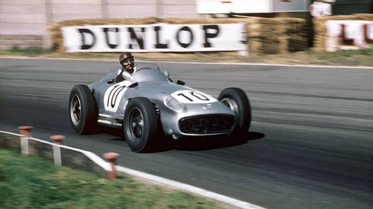 Mercedes was the protagonist in Formula 1 in 1954 and 1955