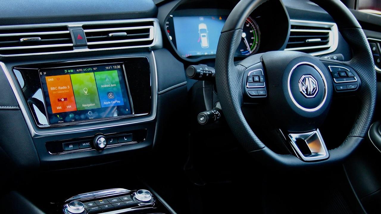 MG5 EV - interior