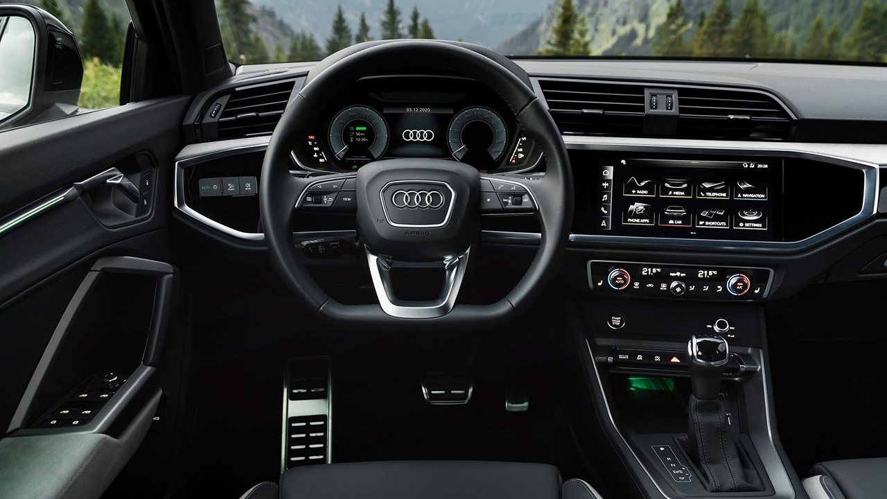 Audi Q3 Sportback 45 TFSI e - interior