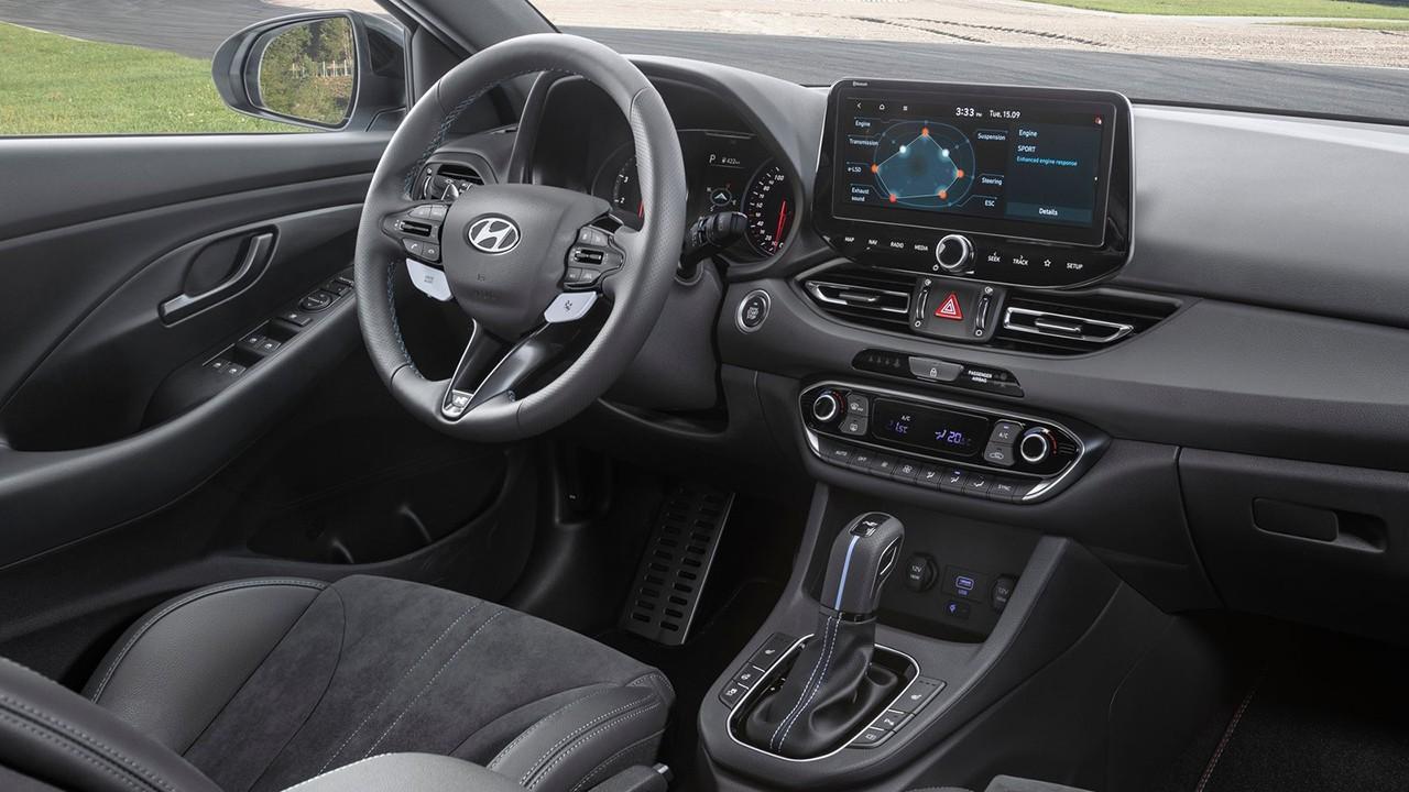 Hyundai i30 N 2021 - interior
