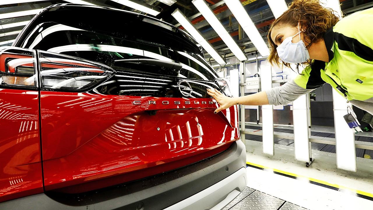 Producción del nuevo Opel Crossland 2021 en Zaragoza