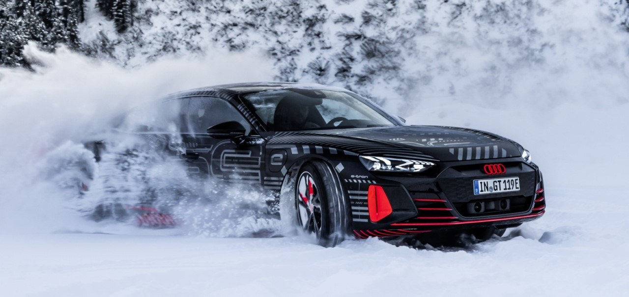 Foto Audi e-tron GT camuflado - exterior