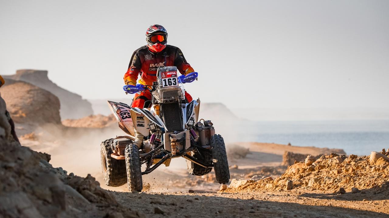 Brabec gana la décima etapa y pelea por el Dakar tras la caída de Cornejo
