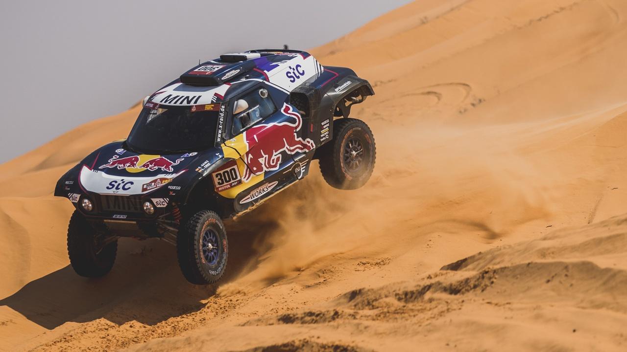 Los protagonistas del Dakar hacen su último esfuerzo antes del día de descanso