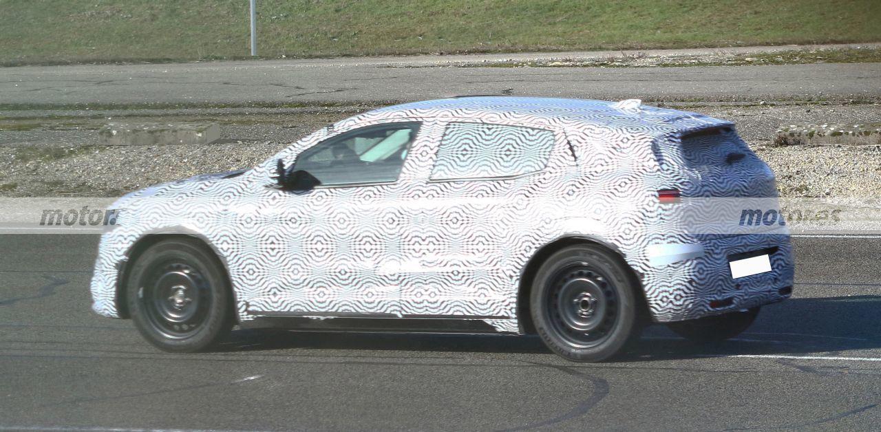 Foto espía Renault Mégane eVision 2021 - exterior