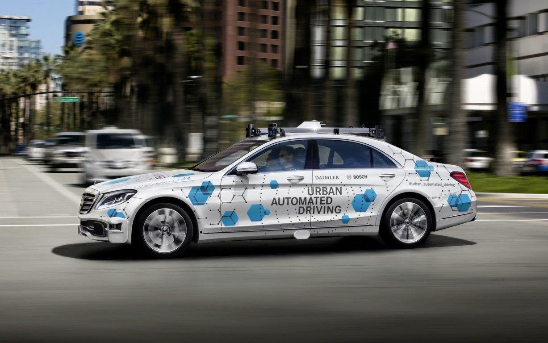 Prototipo de conducción autónoma de Mercedes y Bosch