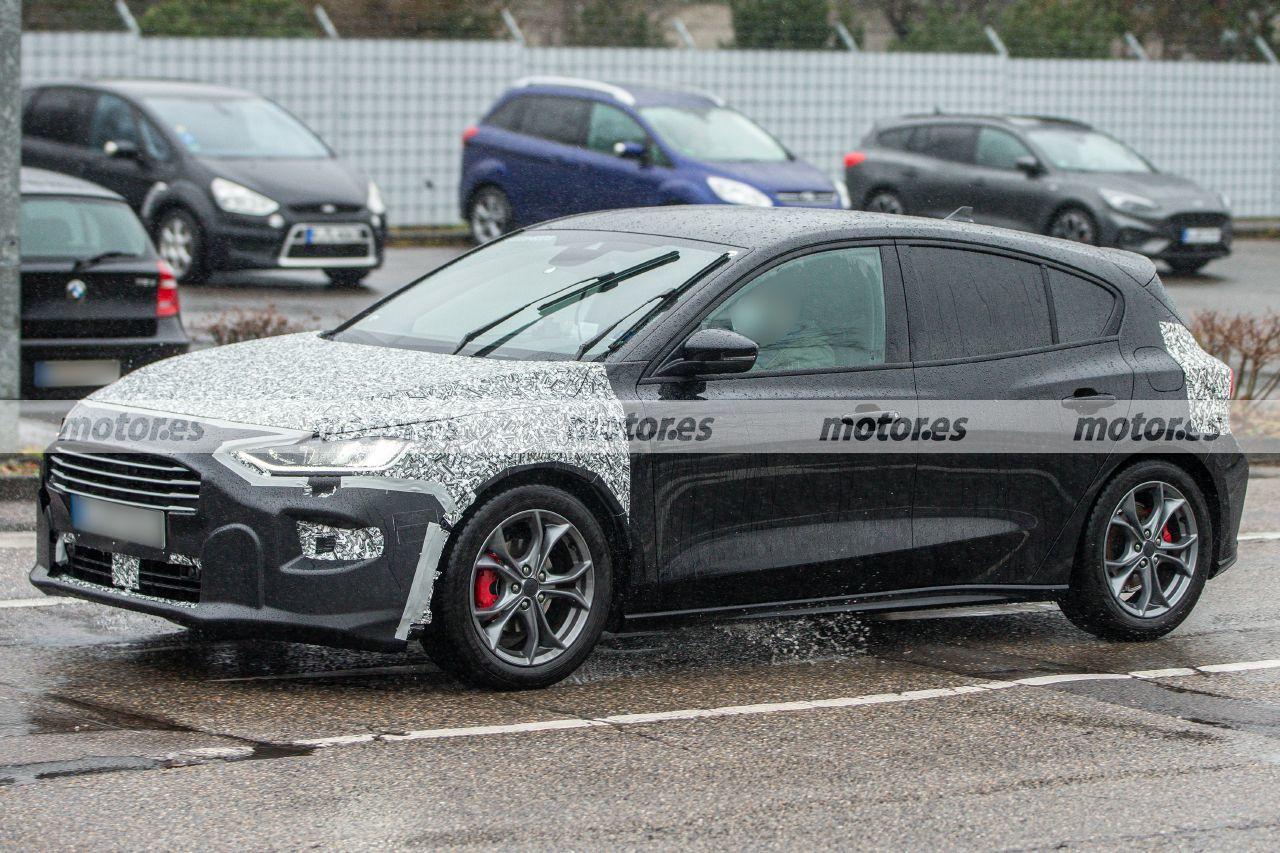 Foto espía Ford Focus Facelift 2022 - exterior