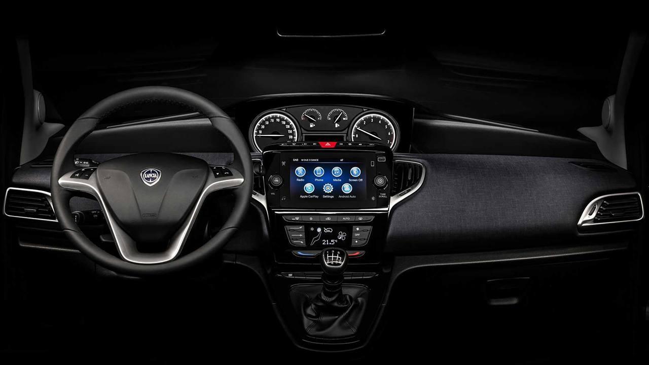 Lancia Ypsilon 2021 - interior