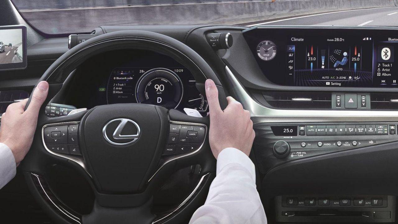 Lexus ES 300h 2021 - interior