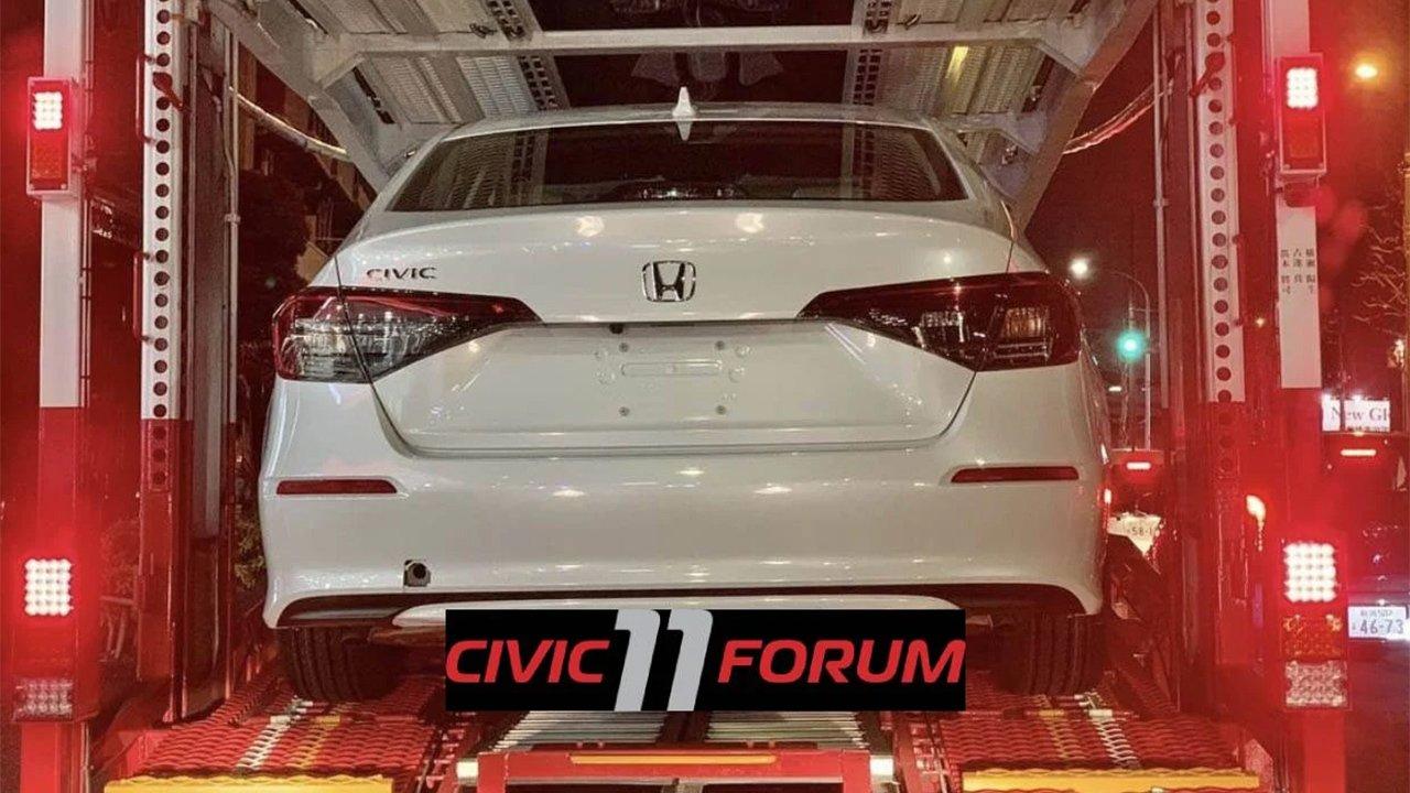 Honda Civic Sedán 2022 - foto espía posterior