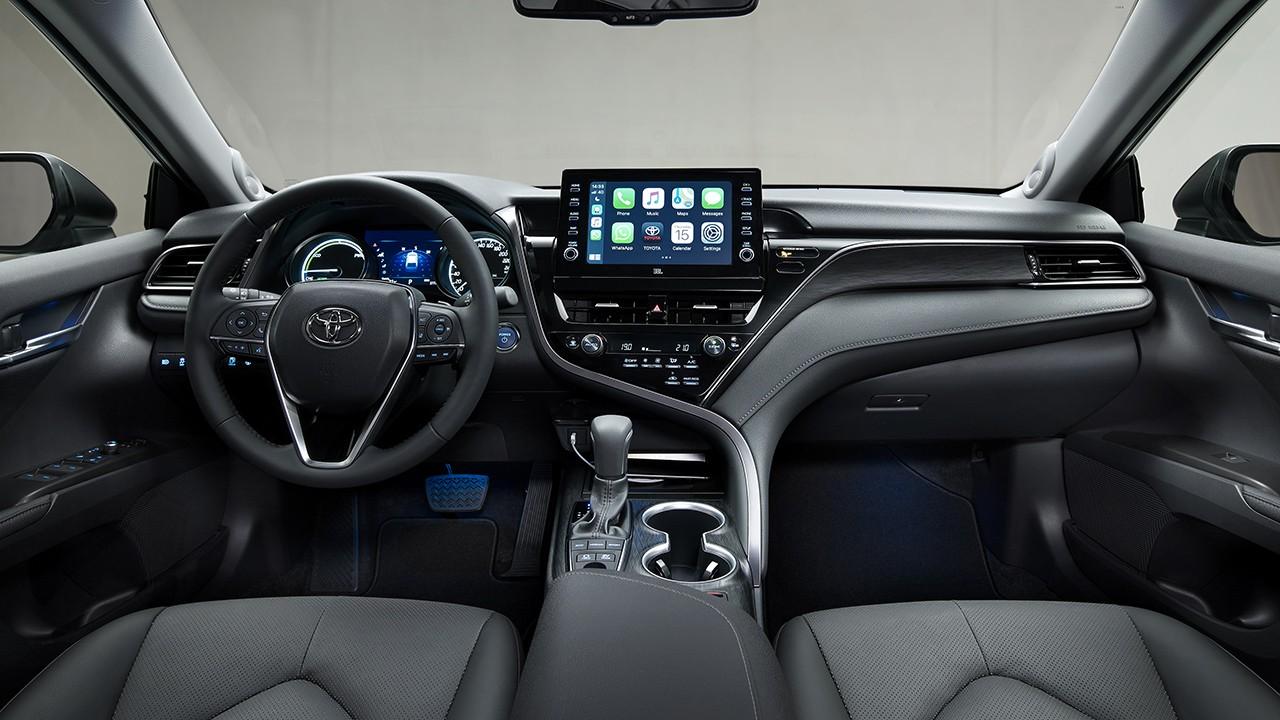 Toyota Camry 2021 - interior