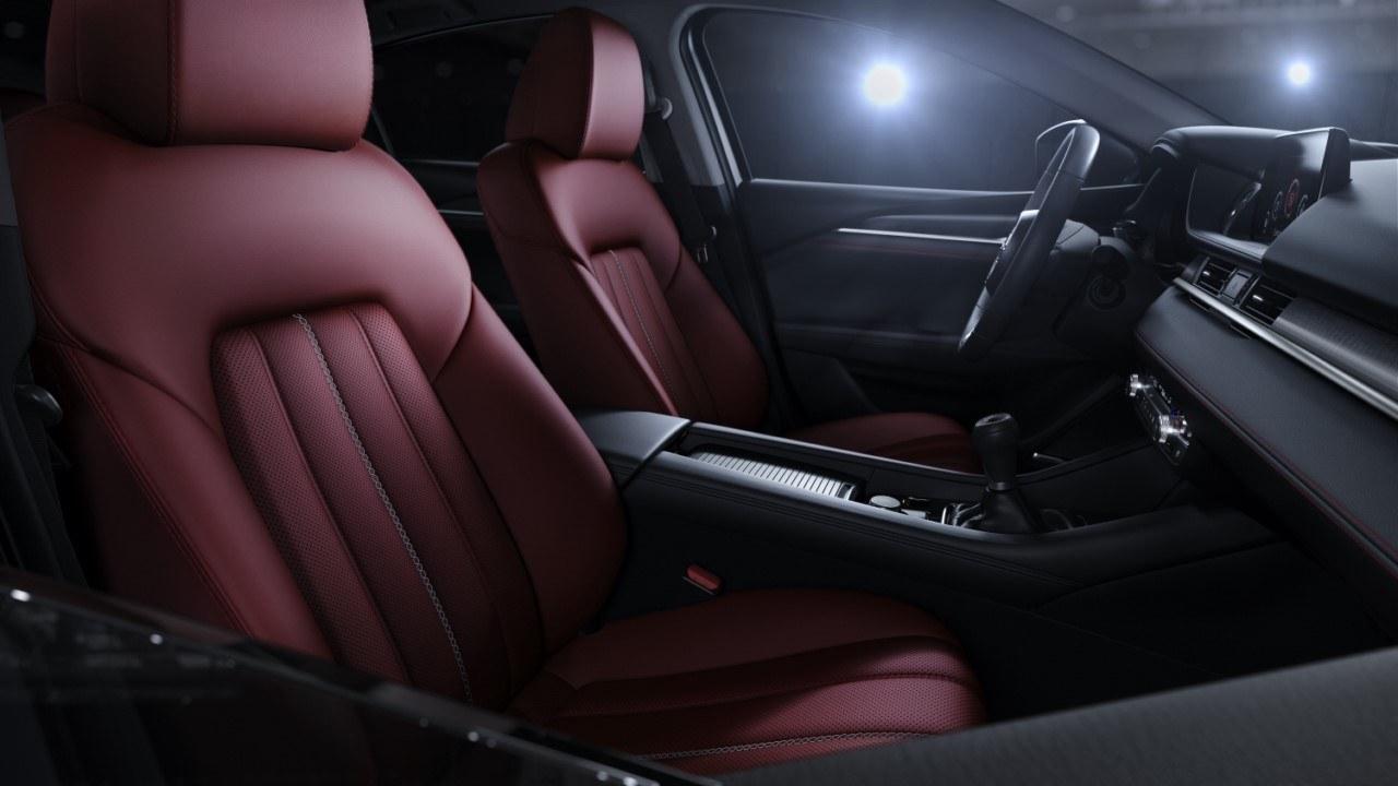 Foto Mazda6 Wagon Homura- interior