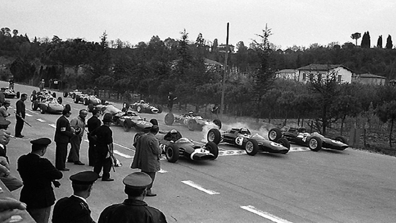 Salida del cuarto Gran Premio Shell de 1963