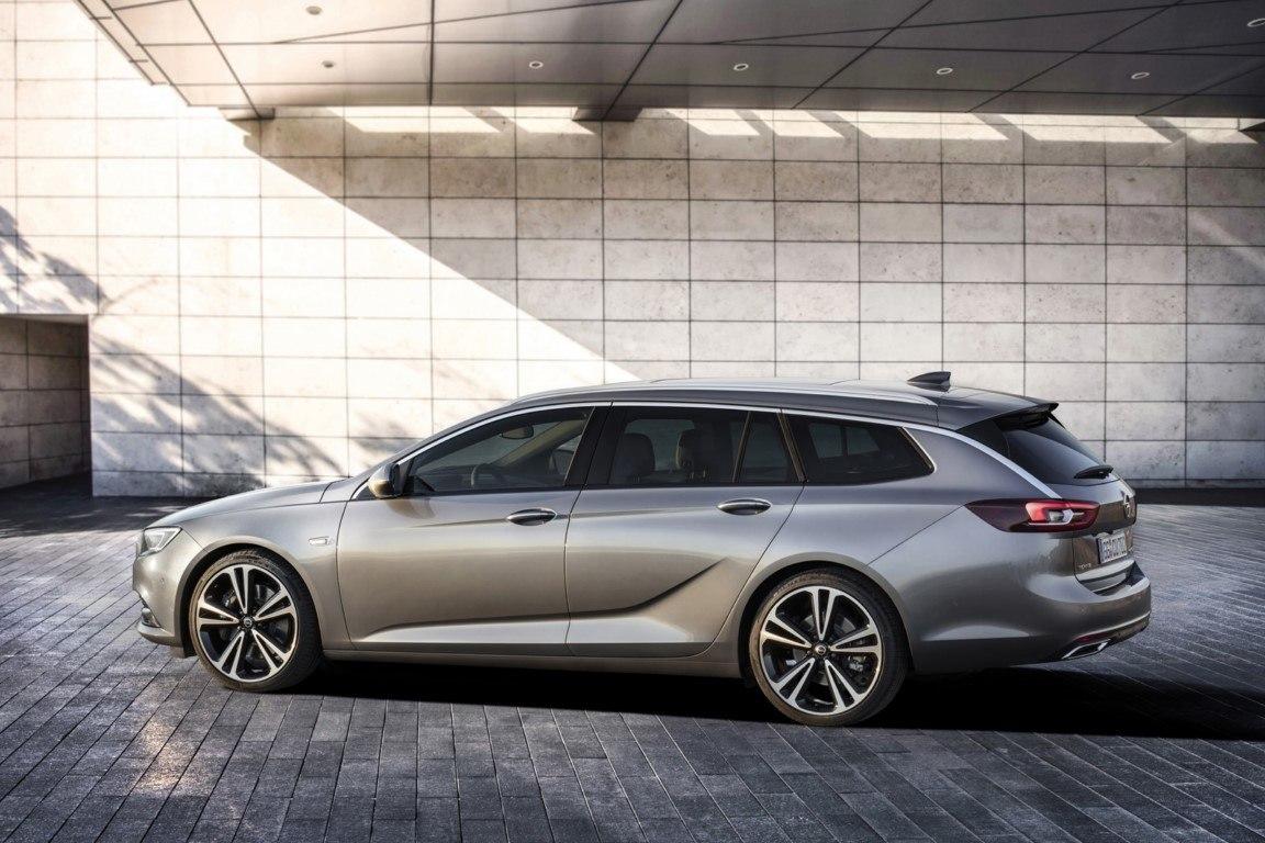 Foto Opel Insignia Sports Tourer - exterior