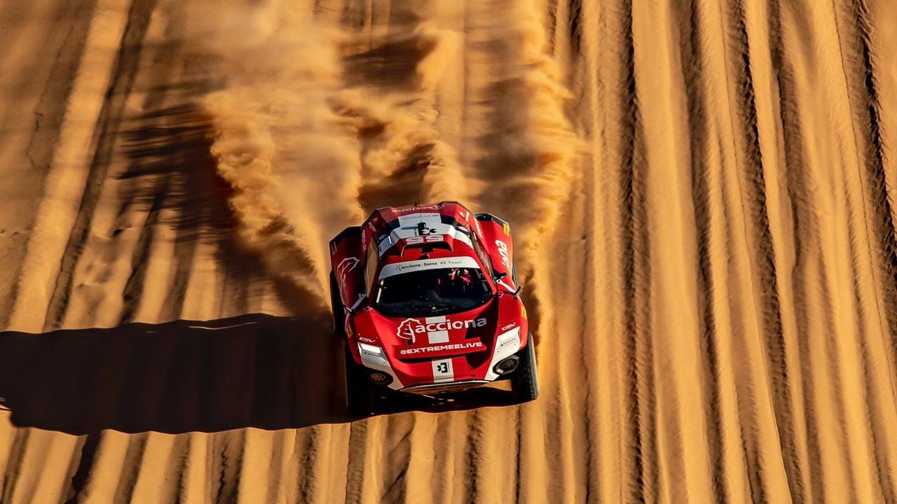 Sébastien Loeb y Cristina Gutiérrez lideran la clasificación del X-Desert