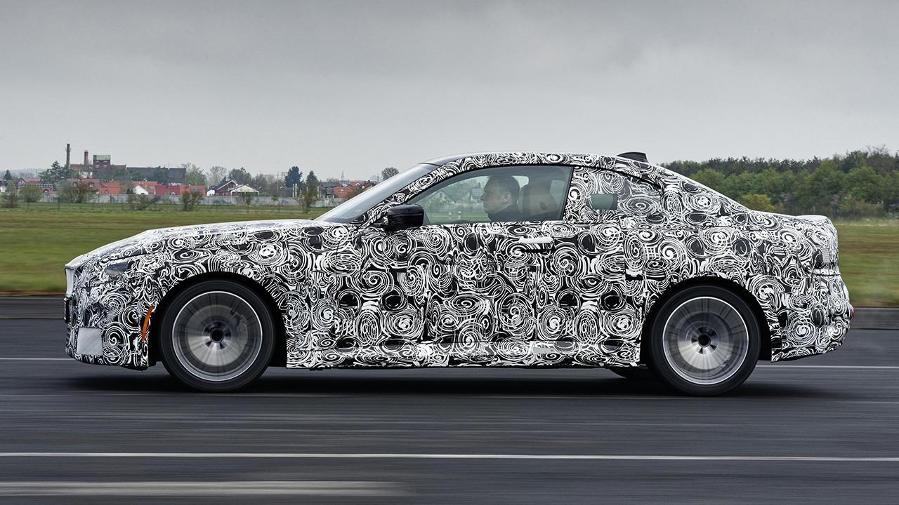 BMW Serie 2 Coupé 2022 - foto espía lateral