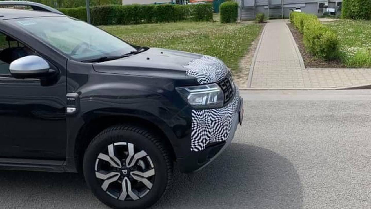Dacia Duster 2021 - foto espía frontal