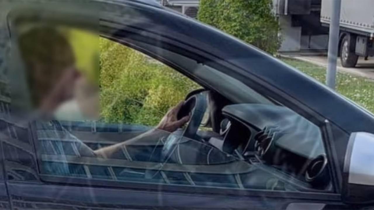 Dacia Duster 2021 - foto espía interior