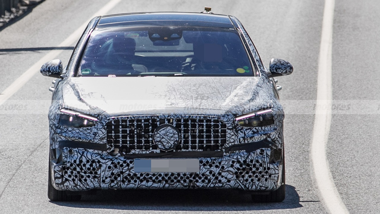 Mercedes-AMG S 63 e 2022 - foto espía
