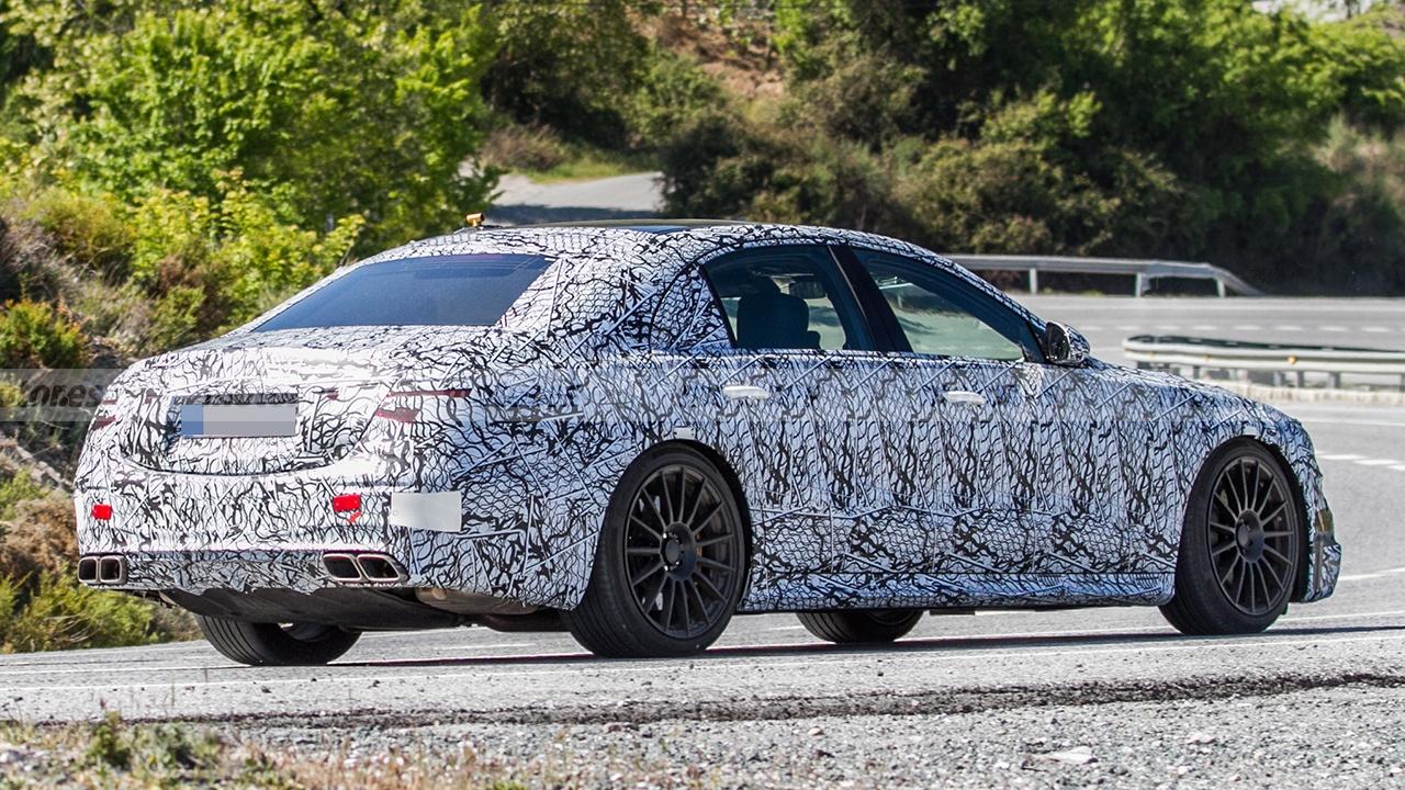 Mercedes-AMG S 63 e 2022 - foto espía posterior